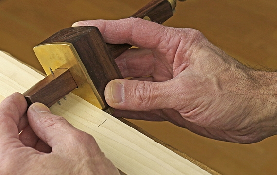 using a mortise gauge