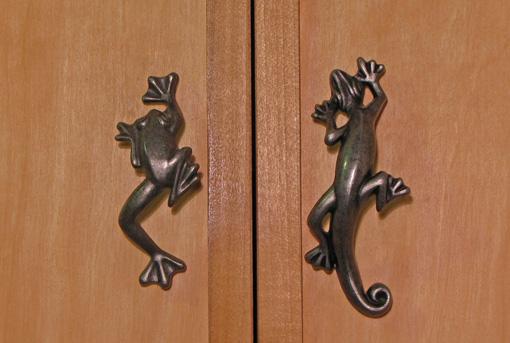 metal cabinet handles